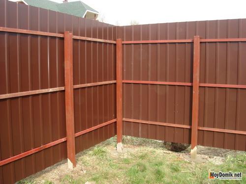Как сделать забор для дачи из профнастила своими руками 91