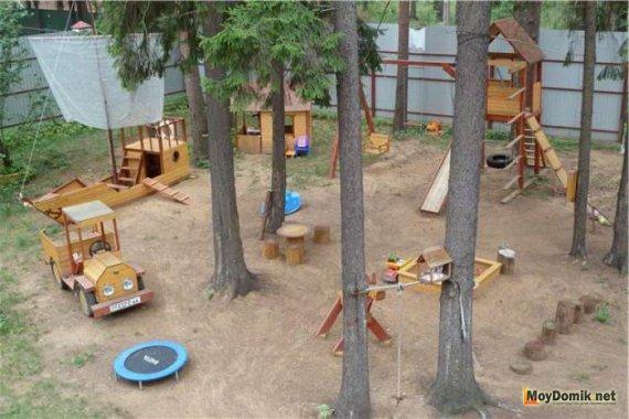 Как сделать детскую площадку