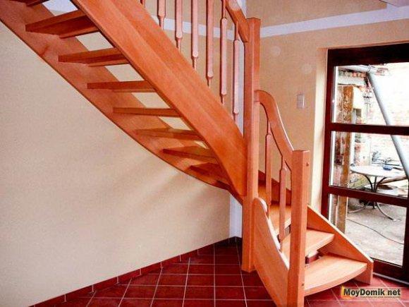 Как правильно сделать лестницу на второй этаж дома 94