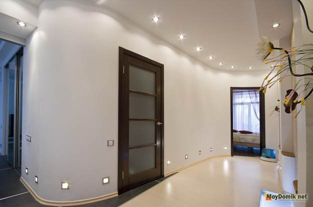 Как оформить прихожую в светлых тонах - декорирование, выбор стиля ...   415x626