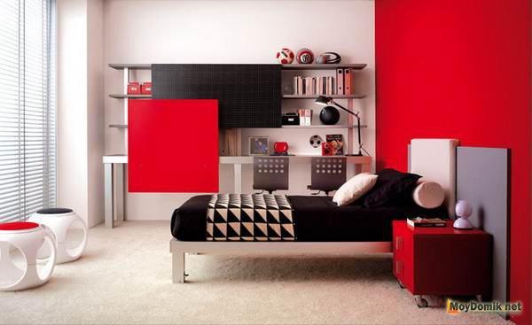 Красный интерьер молодежной комнаты