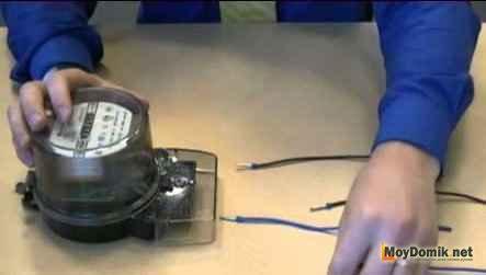 Как подключить однофазный электросчетчик в доме или квартире - схема установки