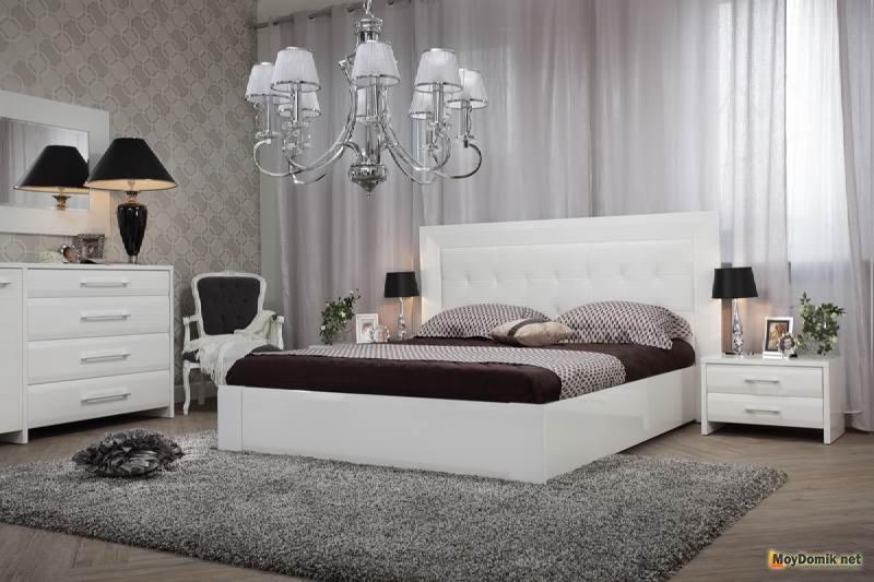 интерьер белой спальни дизайн спальной комнаты в светлых тонах фото