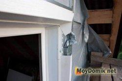 Монтаж винилового сайдинга возле оконных и дверных проемов