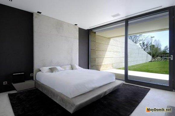Сочетание черного и белого в интерьере спальни