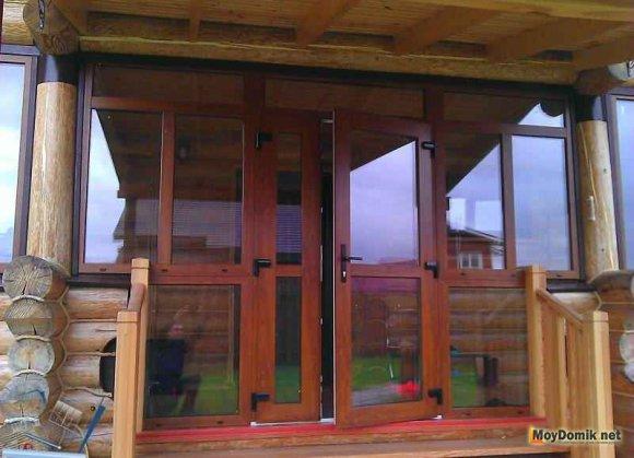 Распашные двери для веранды