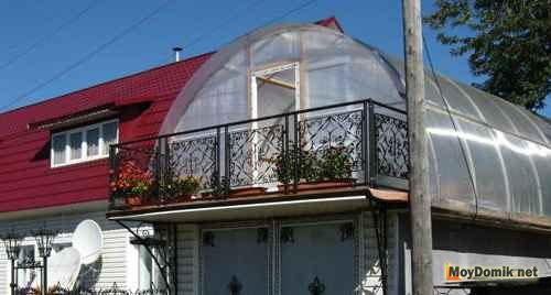 Зимний сад на крыше гаража из поликарбоната