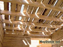 Монтаж цельных деревянных балок