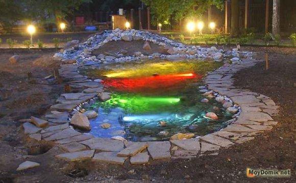 Декоративная подсветка пруда