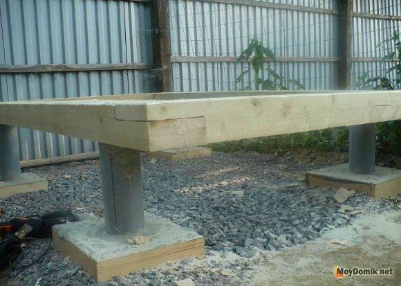 Соединение деревянного каркаса под душ из поликарбоната