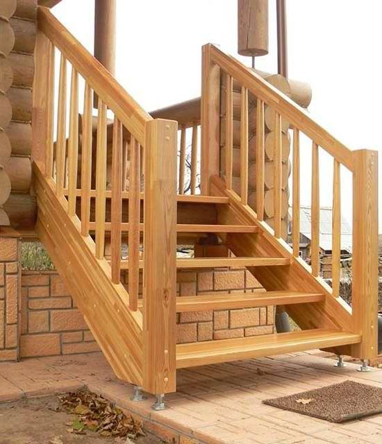 Ступеньки на крыльцо в деревянный дом фото