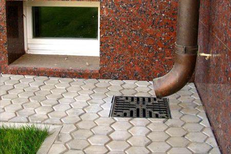Отмостка из тротуарной плитки своими руками пошаговая