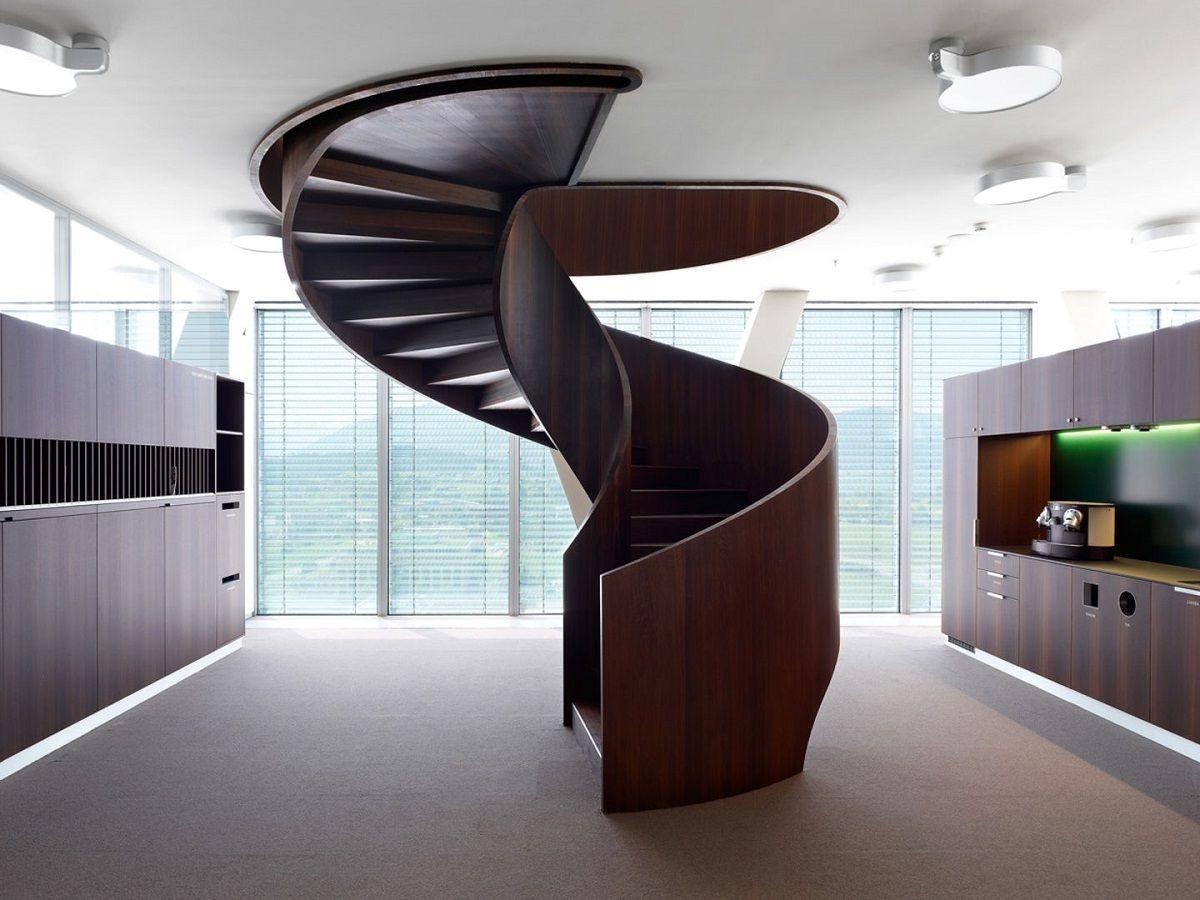 Винтовые лестницы из дерева видео