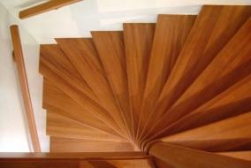 Пролет винтовой лестницы квадратной формы