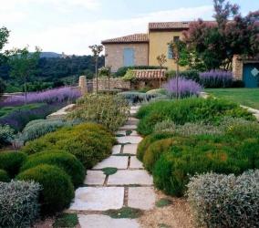 Ландшафтный дизайн участка в французском стиле Прованс