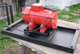 Крепление электромотора для вибростола