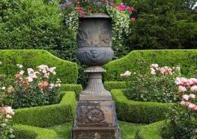 Дизайн сада-розария в регулярном стиле