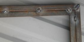 Сварка рамы внутри каркаса ворот