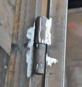 Установка петель для ворот из профлиста