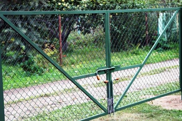 Ворота из сетки рабицы своими руками