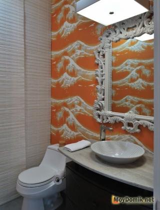 Интерьер туалета с комбинированием цветов и фактур