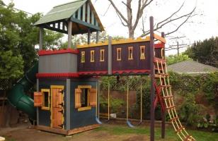 Детский домик-спортивный комплекс
