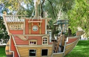 Детский домик-корабль