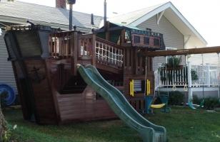 Детский пиратский домик-корабль