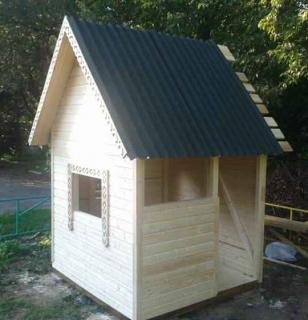Устройство крыши детского домика - монтаж кровельного материала