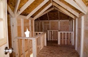 Интерьер детского деревянного домика