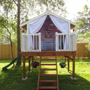 Детский деревянный домик для девочек