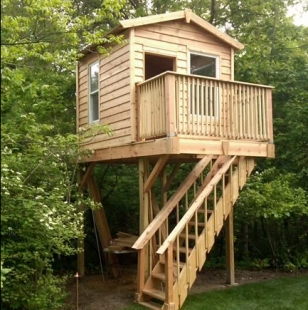 Детский деревянный домик для мальчиков