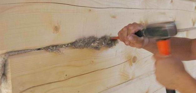 Как заделать щели в деревянной бане джутом