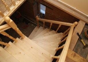 Как сделать деревянную лестницу на второй этаж