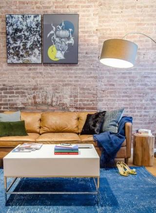 Кирпичная кладка в современном интерьере квартиры