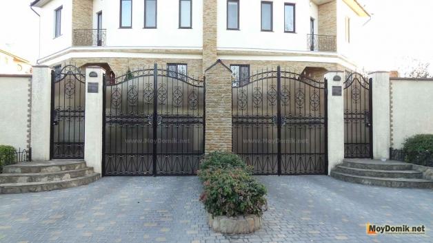Распашные ворота своими руками – изготовление
