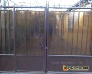 Простые распашные ворота для дачи
