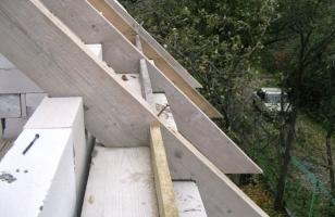 Крепления стропильных ног к мауэрлату в доме из газобетона