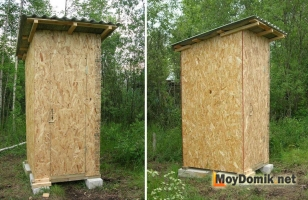 Простой деревянный туалет для дачи, обшитый плитами ОСБ