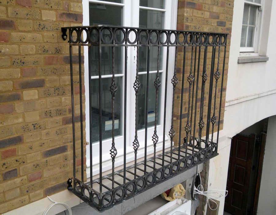 Французский балкон - фото, что это такое, виды, плюсы и мину.