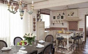 Интерьер кухни-гостиной в стиле прованс в доме из бруса