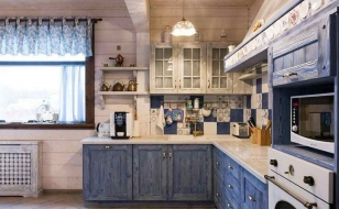Дизайн кухни в стиле прованс брусового дома
