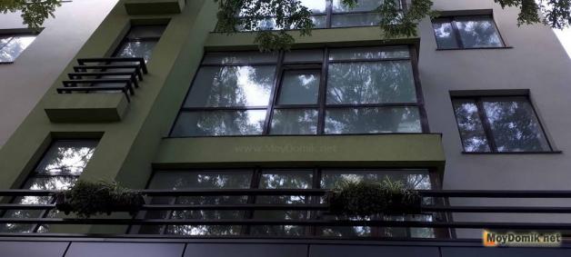 Французское остекление балконов и лоджий в квартире