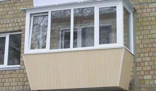 Остекление балкона с выносом подоконника в хрущевке СК КРОСТ