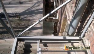 Восстановление и расширение балконный плиты железным каркасом
