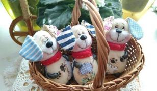 Новогодние игрушки из фетра в год собаки