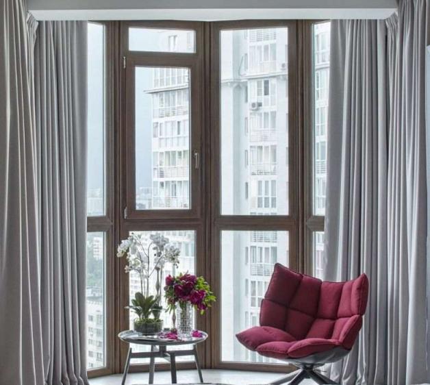 Шторы в дизайне балкона