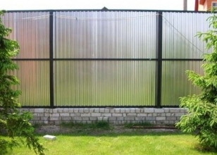 Забор из профнастила с алюмоцинковым покрытием