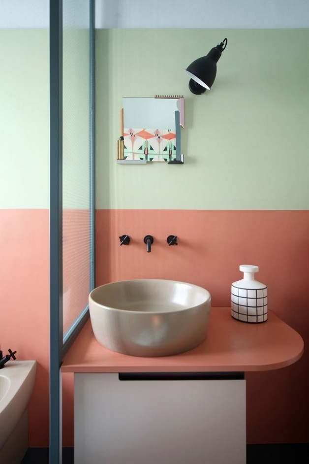 Окрашенные стены в ванной