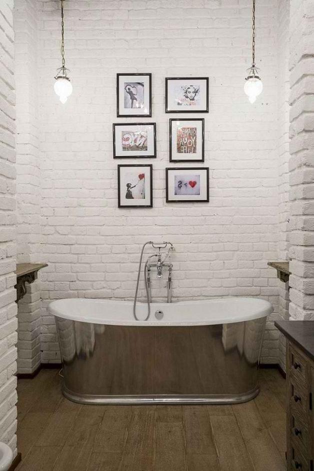 Использование декоративной кирпичной кладки в ванной
